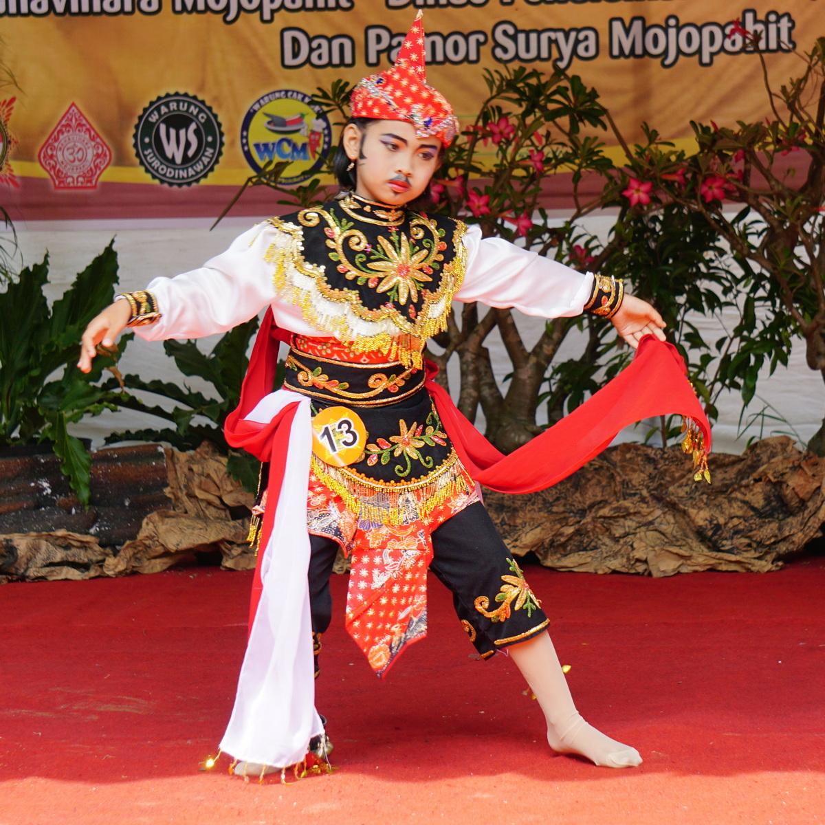 Maha-Vihara-Mojopahit-Dance